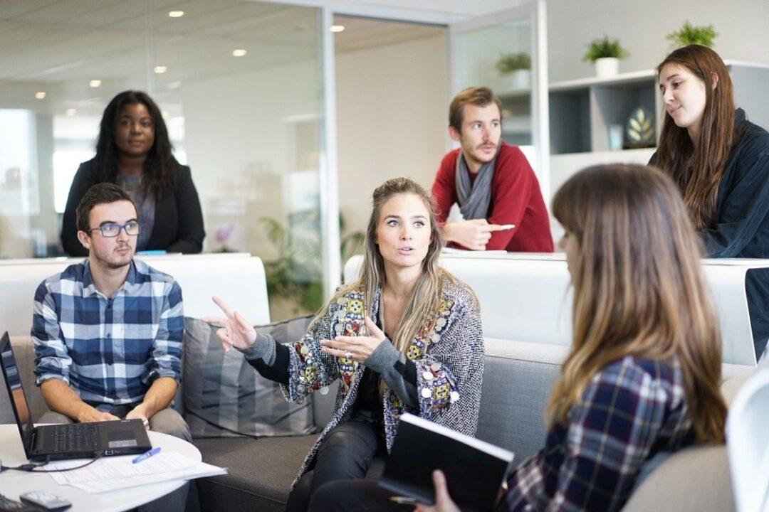 Felicità interna lorda e sostenibilità, ecco come cambiano management e comunicazione d'impresa – intervista a Luigi Irione